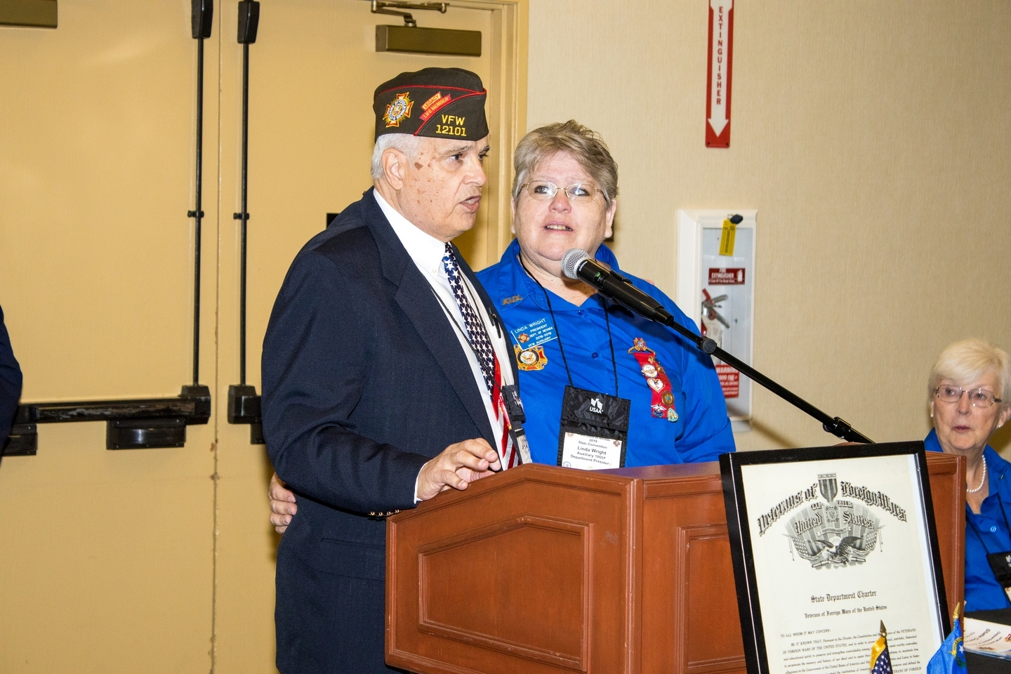 Outgoing State Commander Jerry Peterson and Outgoing State Auxiliary President Linda Wright
